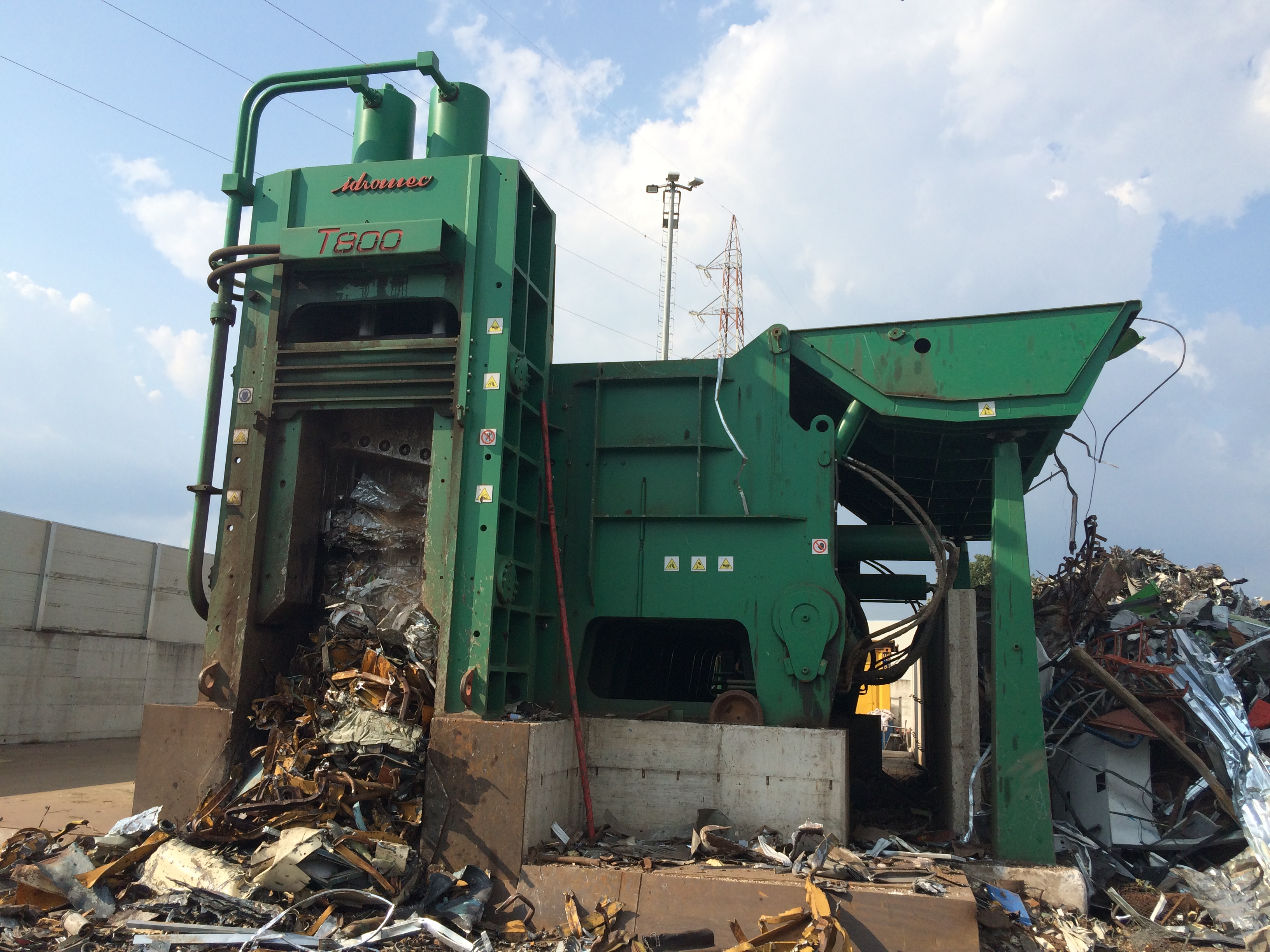 Shear-balers Idromec T800SL for processing metals and scrap