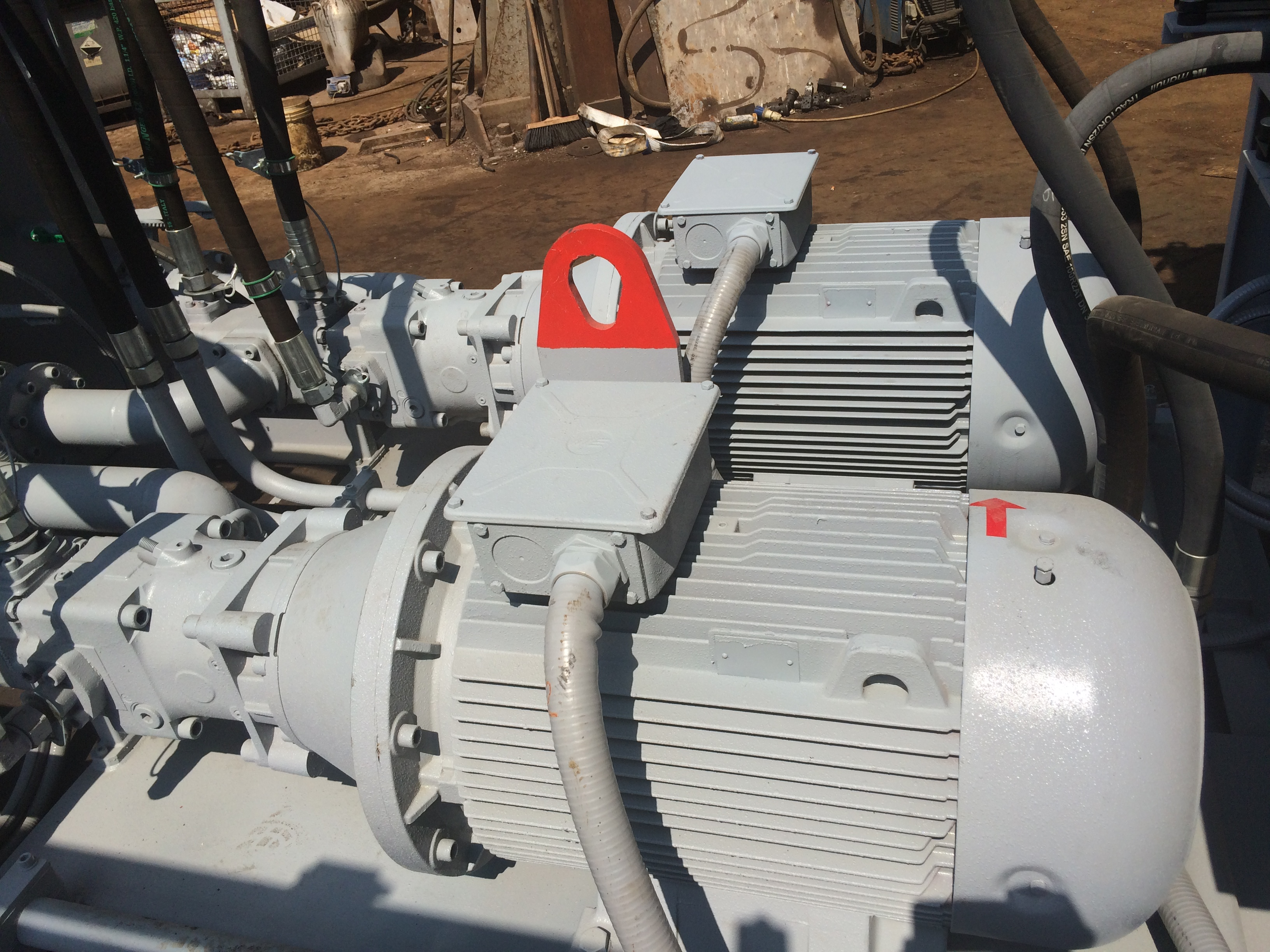 Pressa cesoia Idromec T800C per rottami e metalli
